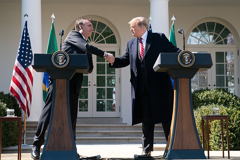 800px-President_Trump_Welcomes_the_President_of_the_Federative_Republic_of_Brazil_to_the_White_House_(40456357103)
